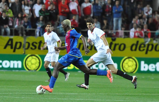 Koné encima le marcó un gol al Sevilla que lo tenía cedido.
