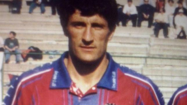 Quique Setién, uno de esos jugadores que jugó en el Levante y quizás no recuerdas